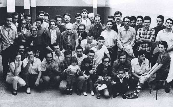 The forty political prisoners released in 1970. Vera Magalhães is seated on the far right.