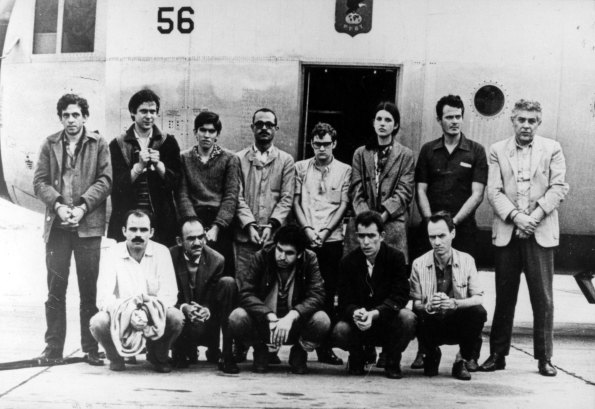 The photo of 13 of the 15 prisoners released in exchange for US Ambassador Charles Elbrick. Maria Augusta Carneiro Ribeiro, the only woman, is third from right in the back row.